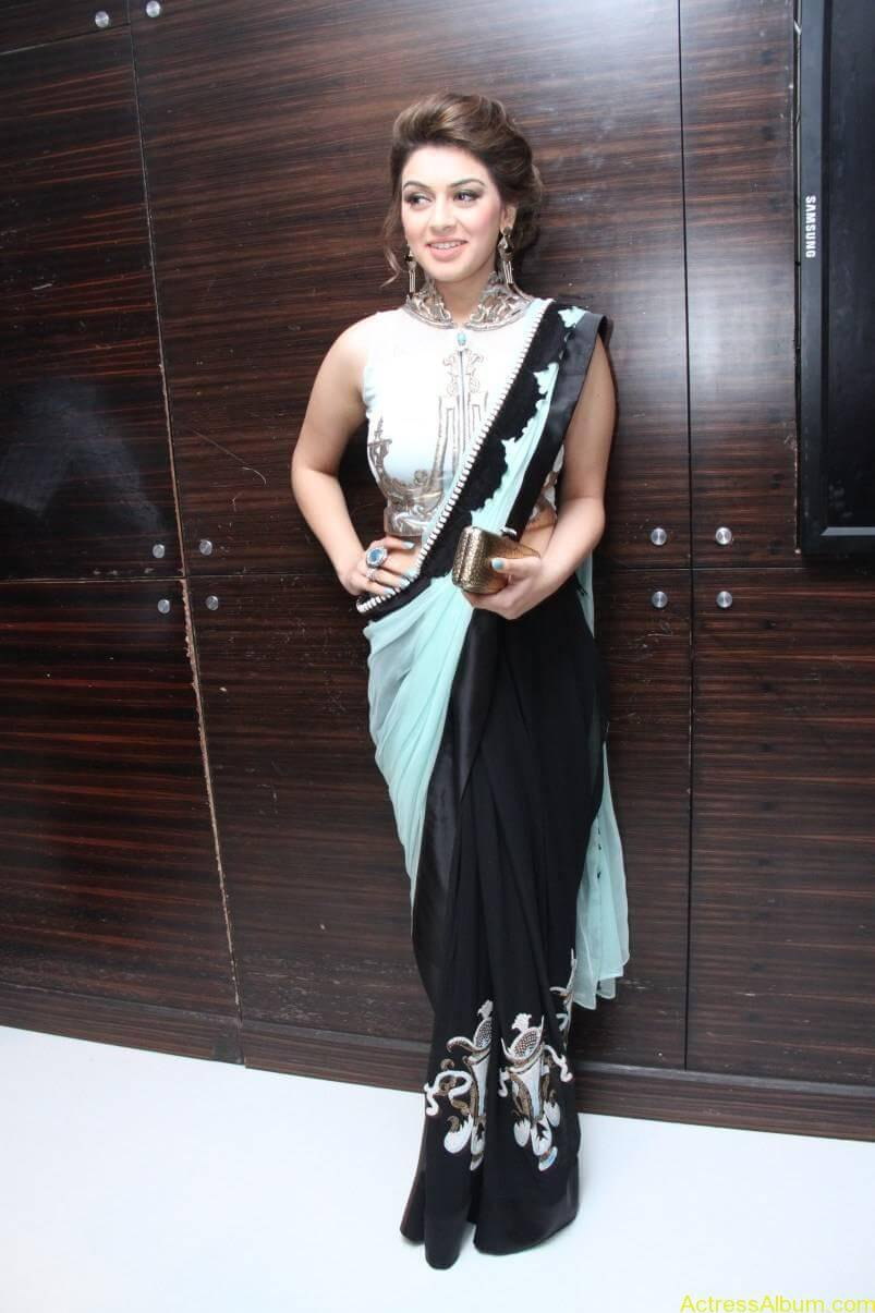 Hansika-Stills-At-Uyire-Uyire-Movie-Audio-Launch-02