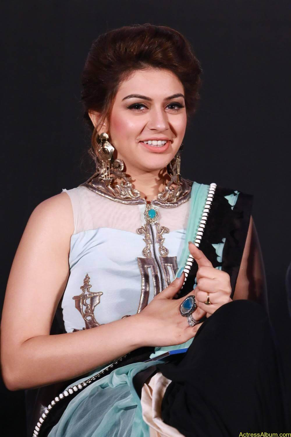 Hansika-Stills-At-Uyire-Uyire-Movie-Audio-Launch-04