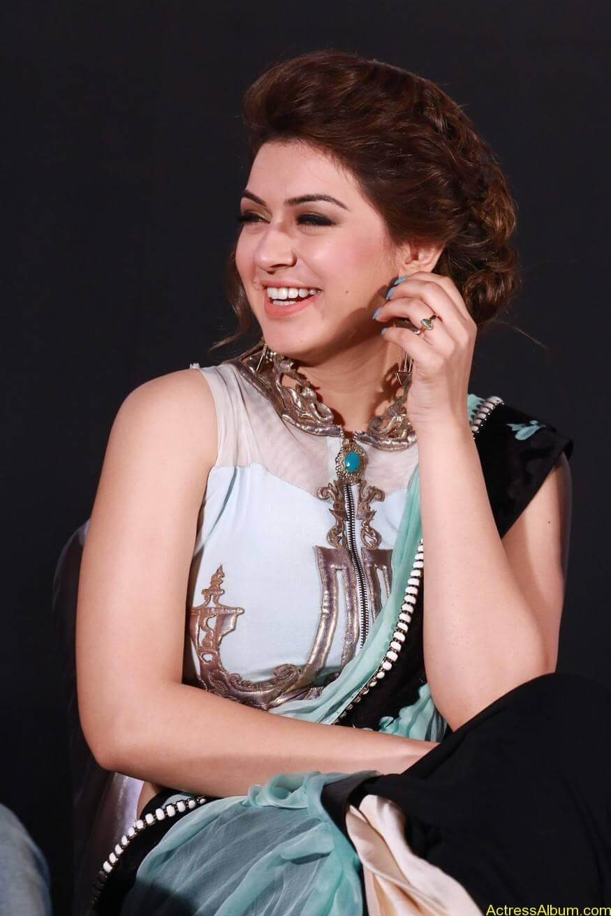 Hansika-Stills-At-Uyire-Uyire-Movie-Audio-Launch-07
