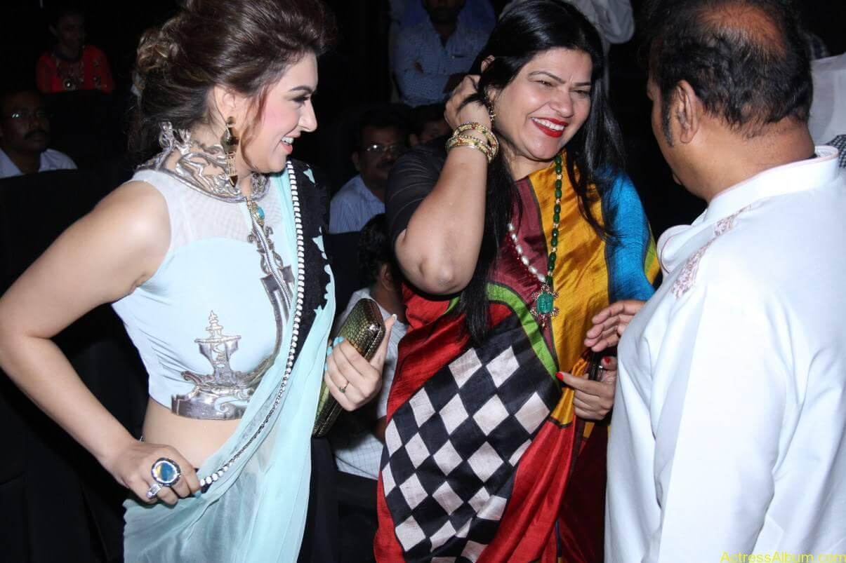 Hansika-Stills-At-Uyire-Uyire-Movie-Audio-Launch-08