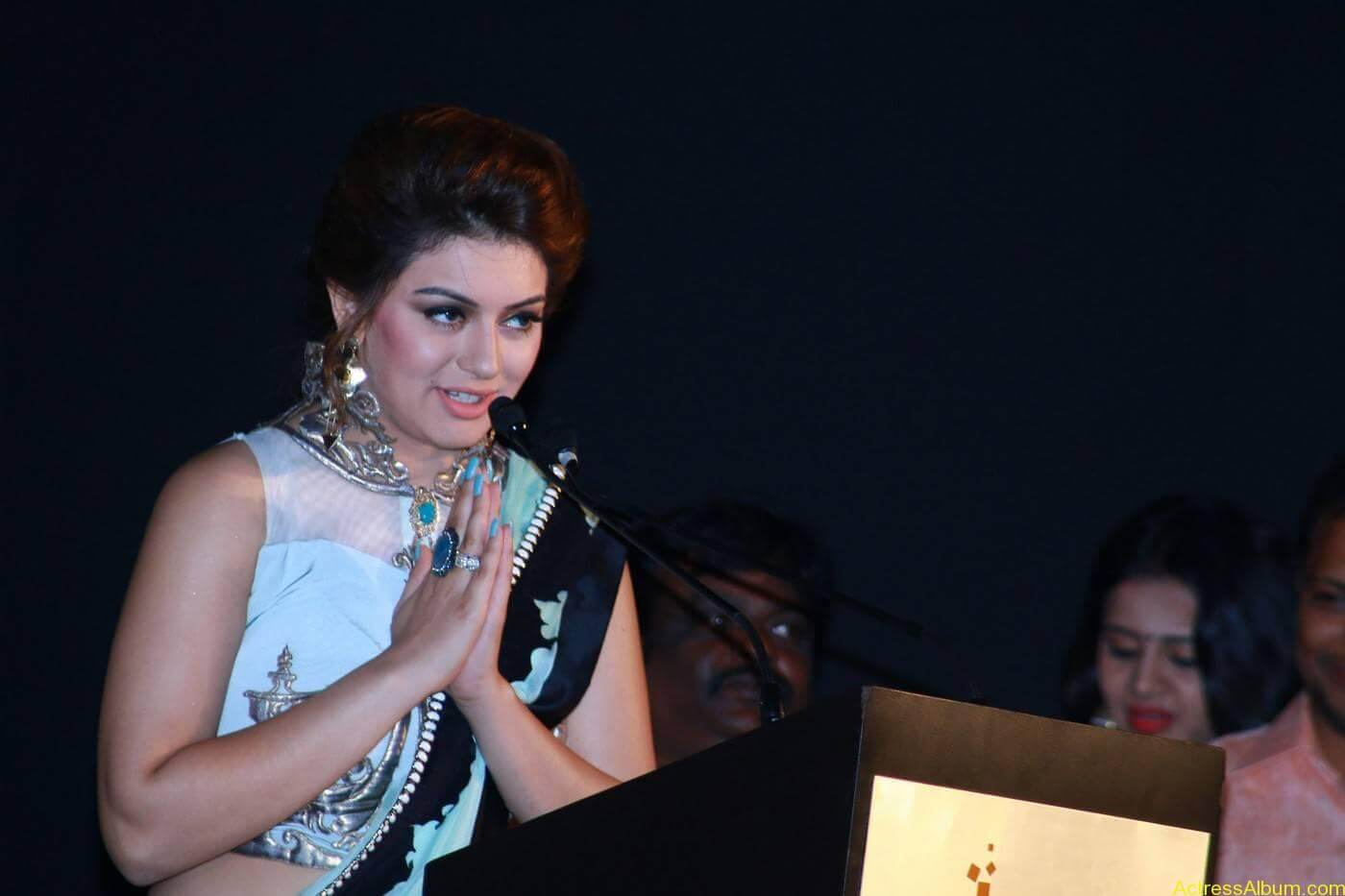 Hansika-Stills-At-Uyire-Uyire-Movie-Audio-Launch-09