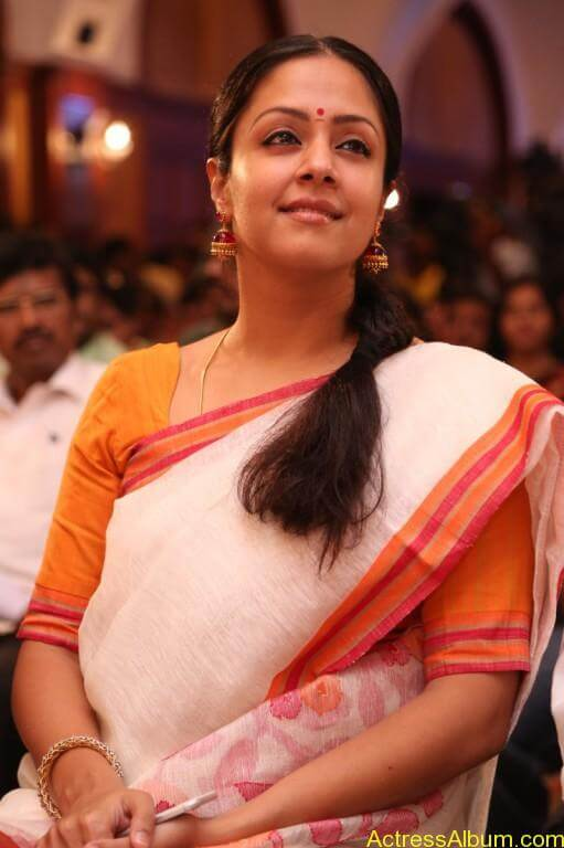 JYOTHIKA STILLS AT 36 VAYATHINILE MOVIE-1
