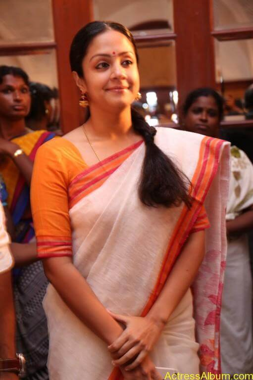 JYOTHIKA STILLS AT 36 VAYATHINILE MOVIE-2