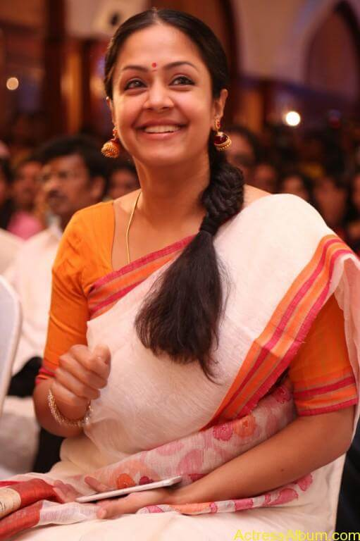 JYOTHIKA STILLS AT 36 VAYATHINILE MOVIE-4
