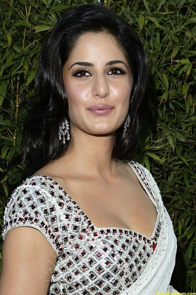KATRINA KAIF LATEST PHOTOS IN WHITE SAREE - 2