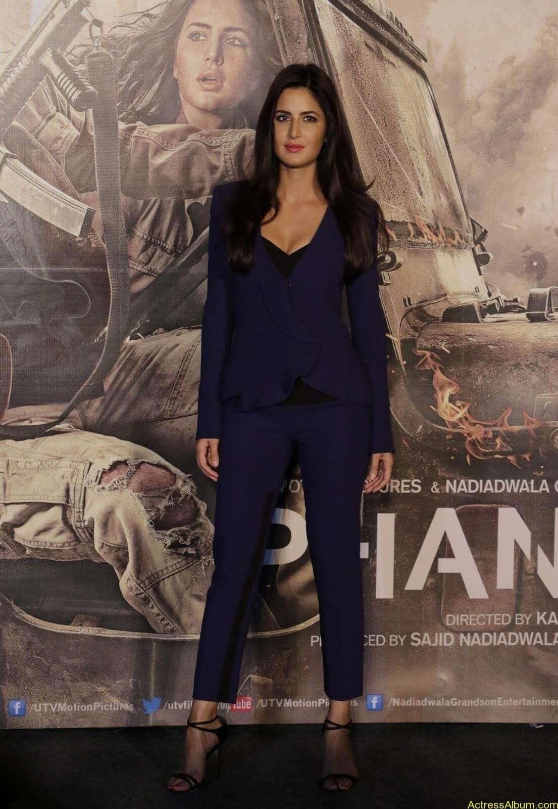 Katrina-Kaif-Sexy-Stills-At-Phantom-Movie-Trailer-Launch-3