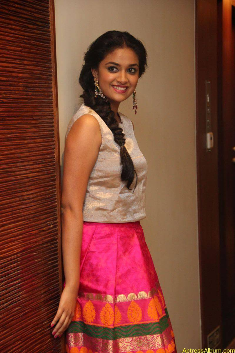 Keerthi-Suresh-Stills-At-Rajini-Murugan-Audio-Launch-11
