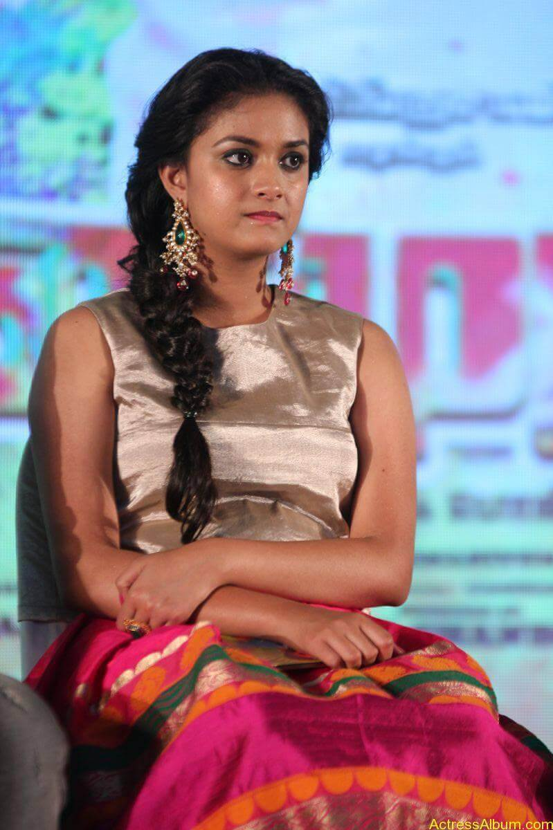 Keerthi-Suresh-Stills-At-Rajini-Murugan-Audio-Launch-14