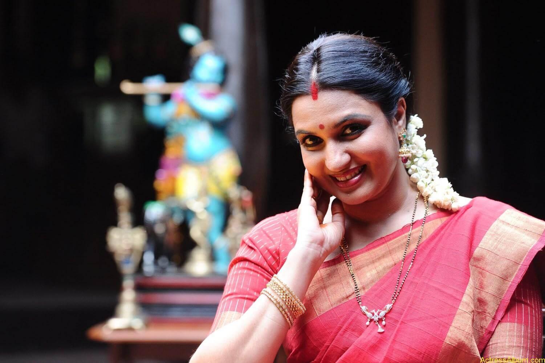 Mahesh-Babu-Shruthi-Haasan-Srimanthudu-Movie-Stills-10