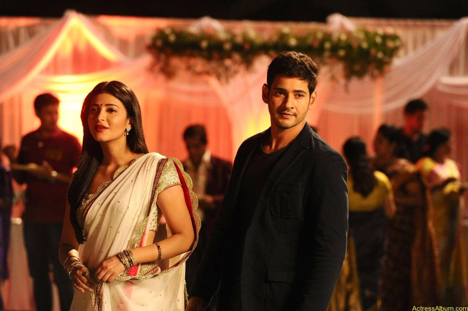 Mahesh-Babu-Shruthi-Haasan-Srimanthudu-Movie-Stills-5