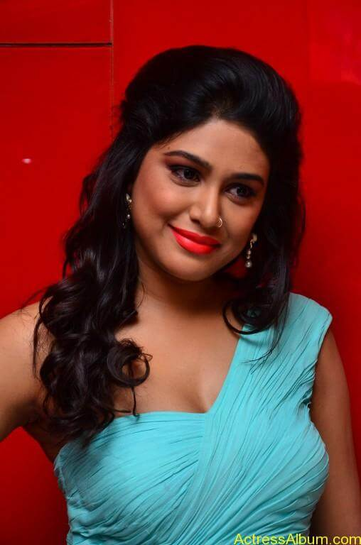 Manisha-yadav-latest-hot-stills-photos-pictures-2