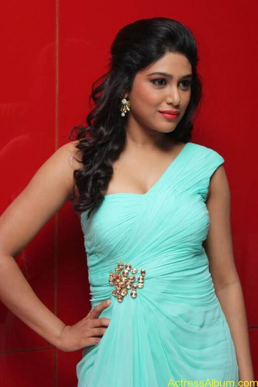 Manisha-yadav-latest-hot-stills-photos-pictures-8