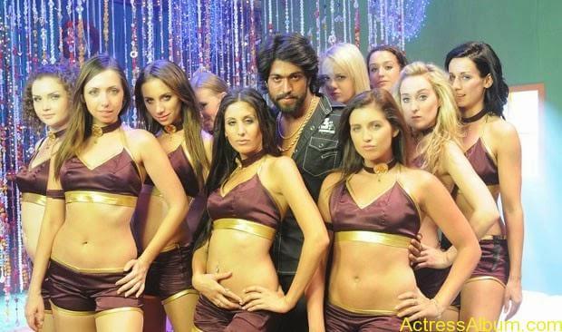 Mumaith-Khan-Spicy-Stills-at-Bhagyanagaram-Movie-14
