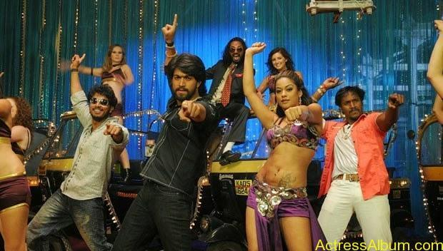 Mumaith-Khan-Spicy-Stills-at-Bhagyanagaram-Movie-3