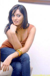 Parvati-Vaze-Hot-Stills-21