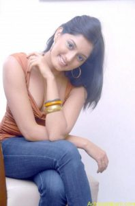Parvati-Vaze-Hot-Stills-24