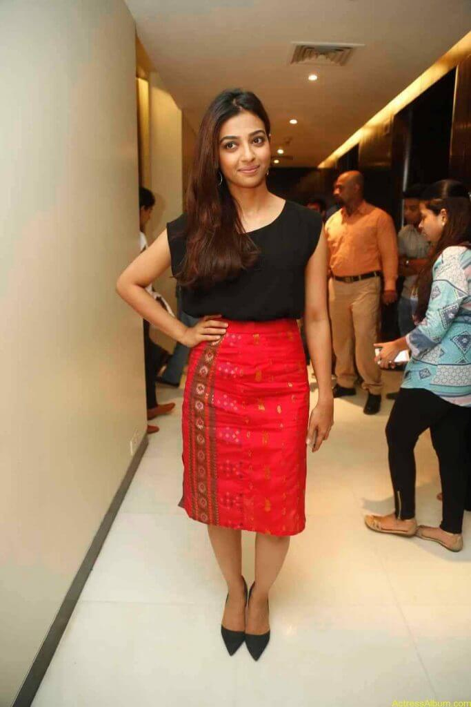 Radhika Apte Photo Gallery - 4