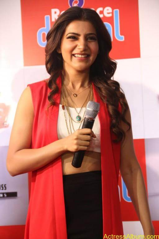 samantha-latest-stills-at-10-enrathukulla-movie-press-meet-photos-11