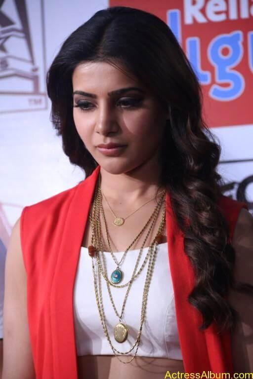 samantha-latest-stills-at-10-enrathukulla-movie-press-meet-photos-12