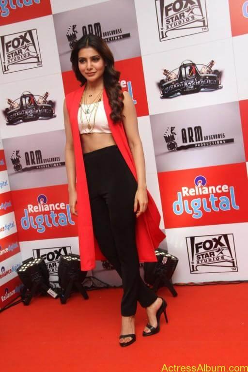 samantha-latest-stills-at-10-enrathukulla-movie-press-meet-photos-32