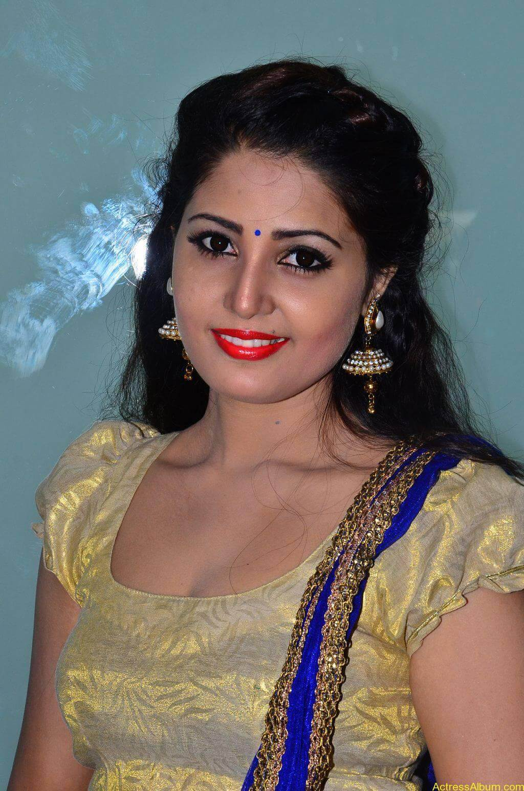 Sandra-Amy-Stills-At-Urumeen-Movie-Audio-Launch-3