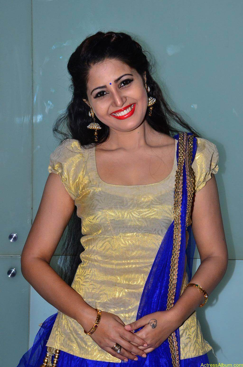 Sandra-Amy-Stills-At-Urumeen-Movie-Audio-Launch-4