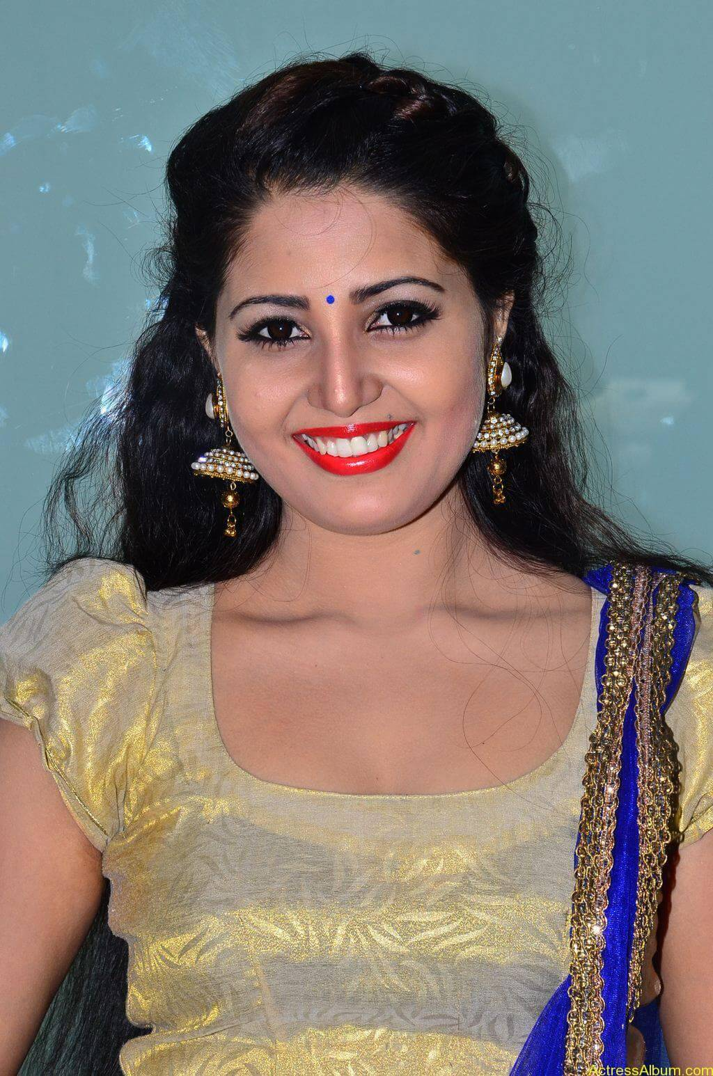 Sandra-Amy-Stills-At-Urumeen-Movie-Audio-Launch-5