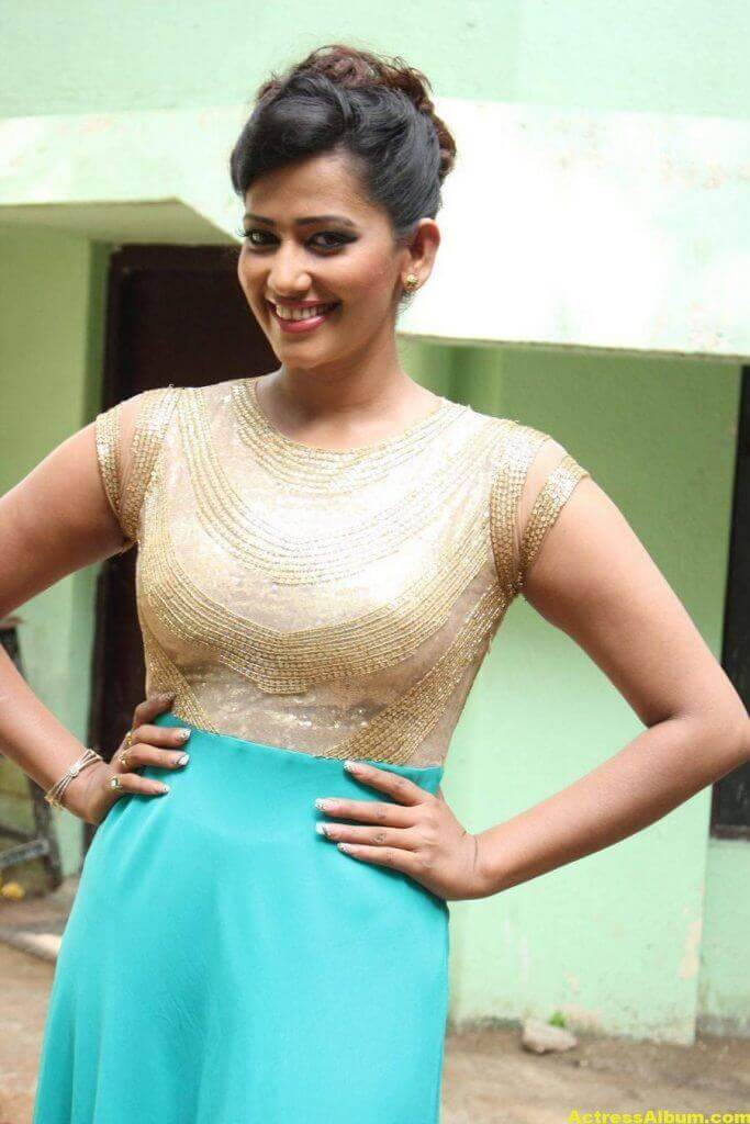 Sanjana-Singh-Stills-At-Thoda-Lutf-Thoda-Ishq-Movie-Press-Meet-09