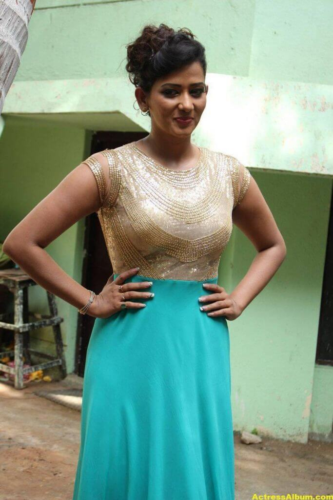 Sanjana-Singh-Stills-At-Thoda-Lutf-Thoda-Ishq-Movie-Press-Meet-10