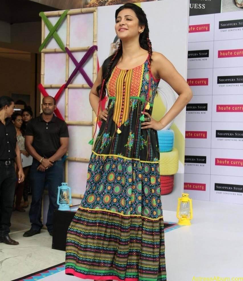 Shruti-Haasan-Stills-At-Haute-Curry-Fashion-Show-12