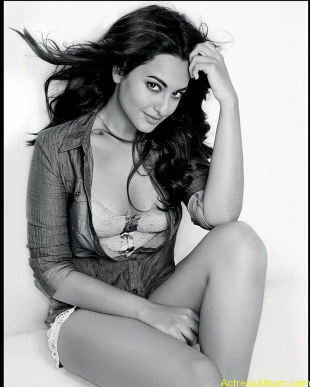 Sonakshi-Sinha-Photoshoot-For-Maxim-Photos-4