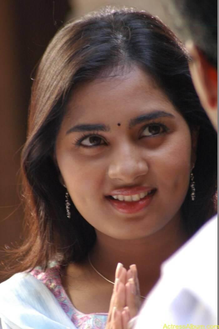Srushti-Dange-Stills-From-Puriyatha-Anantham-Puthithaga-Aarambam-Movie-10
