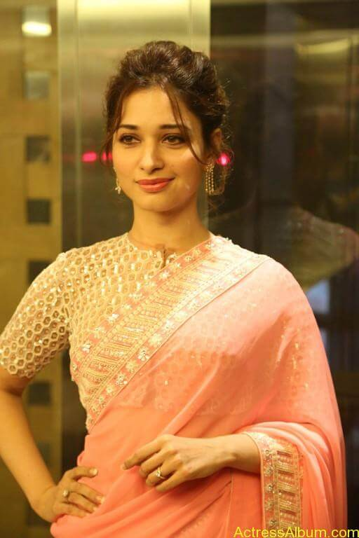 Tamanna-Stills-At-Baahubali-Tamil-Trailer-Launch-11