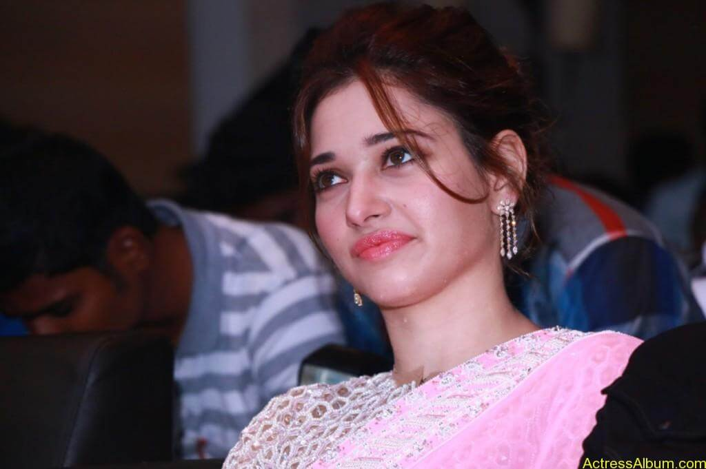 Tamanna-Stills-At-Baahubali-Tamil-Trailer-Launch-9