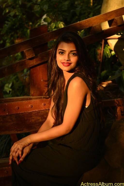 Tamil Actress Ashna Zaveri Latest Gallery - 12