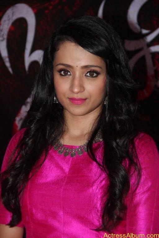 trisha-latest-stills-at-nayagi-movie-pooja-2