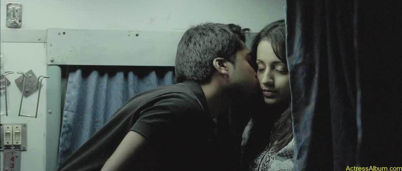 trisha-lip-kiss-pictures-2