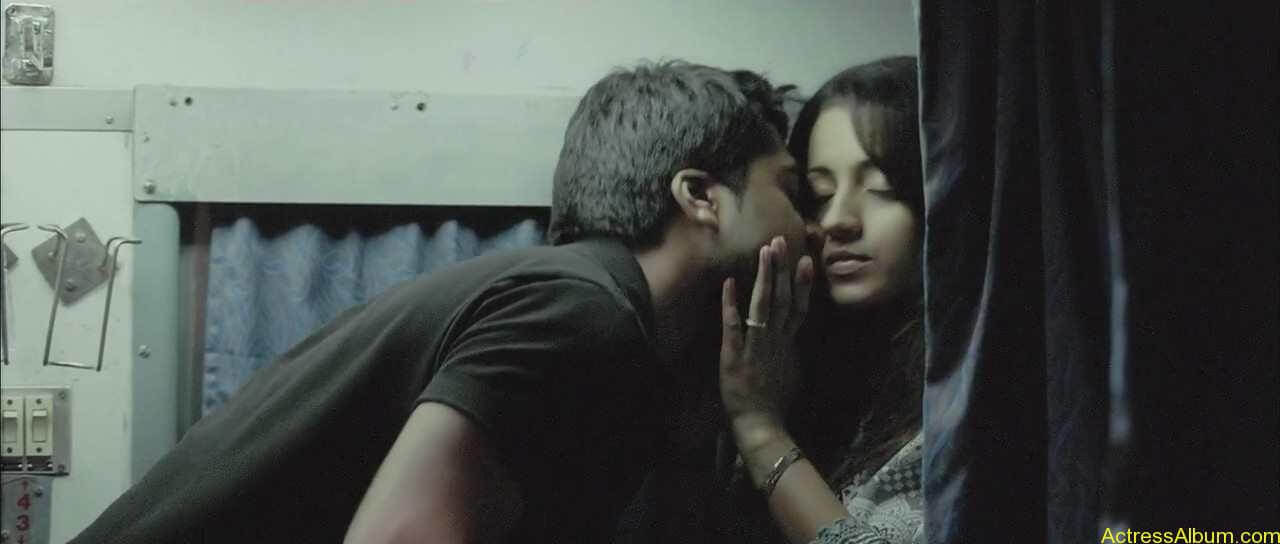 trisha-lip-kiss-pictures-4