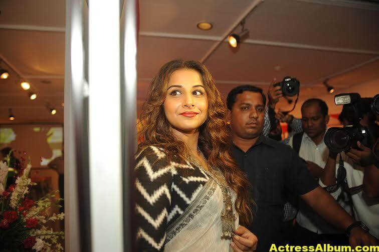 Vidya-Balan-inaugurates-Chaplin-Lines-exhibition-photos-1