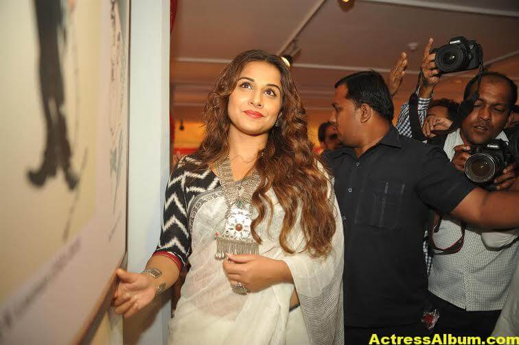 Vidya-Balan-inaugurates-Chaplin-Lines-exhibition-photos-2