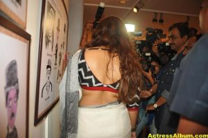 Vidya-Balan-inaugurates-Chaplin-Lines-exhibition-photos-7