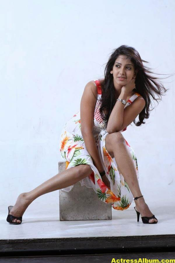 Actress-Bhavani-Reddy-Hot-Photos-Stills-4