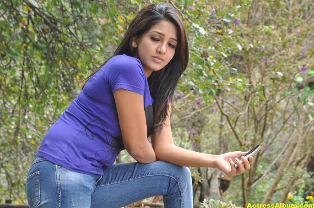 Actress-Bhavani-Reddy-Hot-Photos-Stills-8
