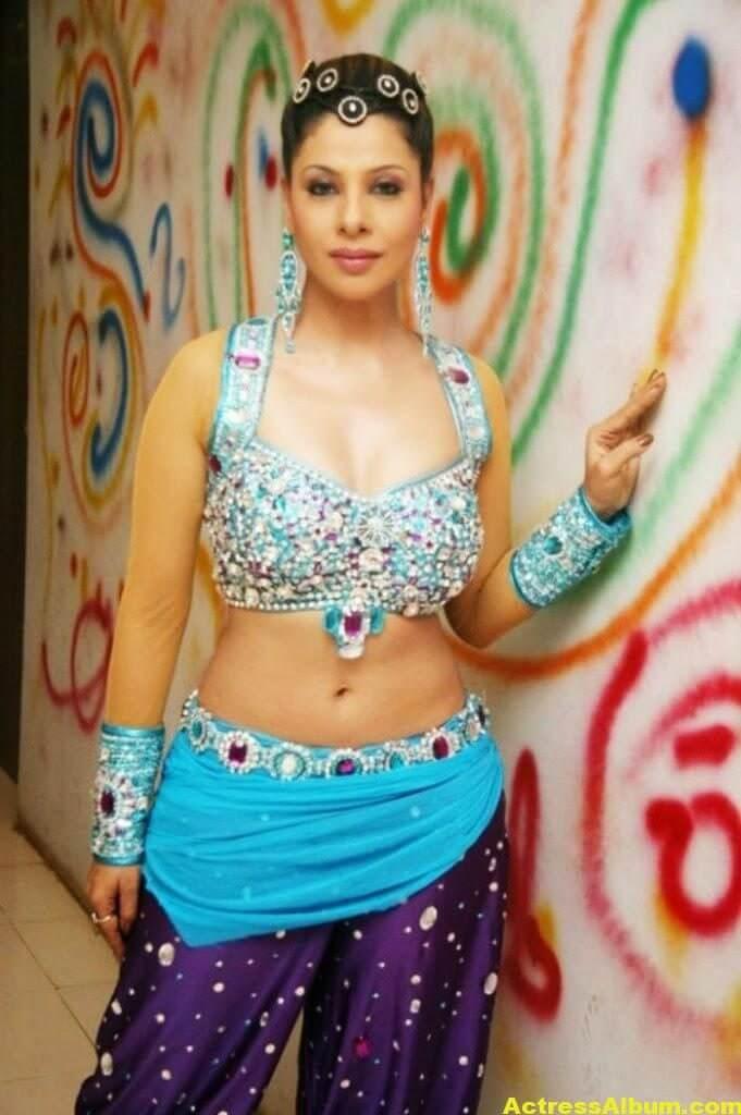bhojpuri-actress-sambhavna-seth-latest-spicy-hot-stills-1