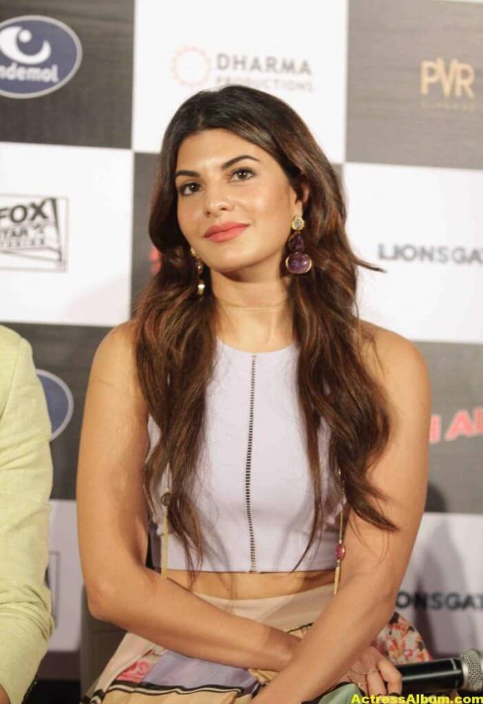 Jacqueline-Fernandez-Stills-At-Brothers-Trailer-Launch-1