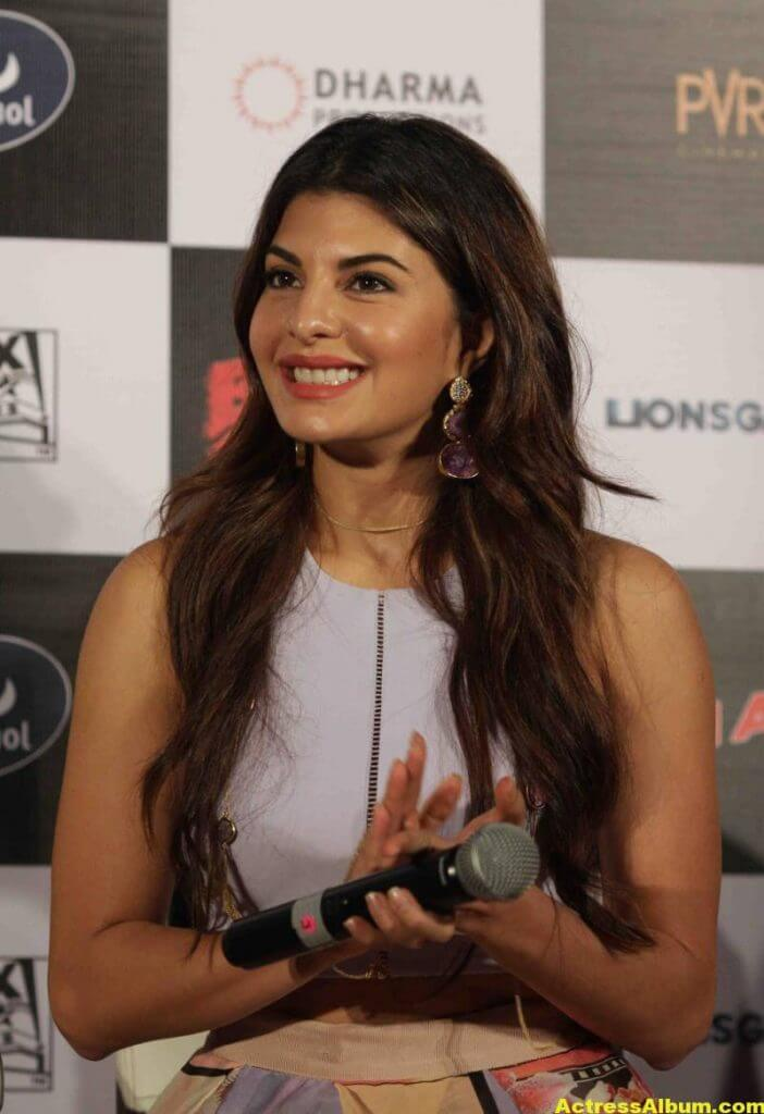 Jacqueline-Fernandez-Stills-At-Brothers-Trailer-Launch-4