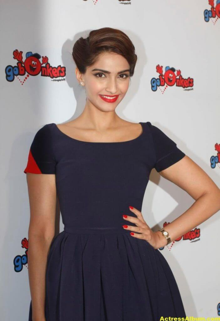 Sonam-Kapoor-Latest-Photos-Stills-Images-1