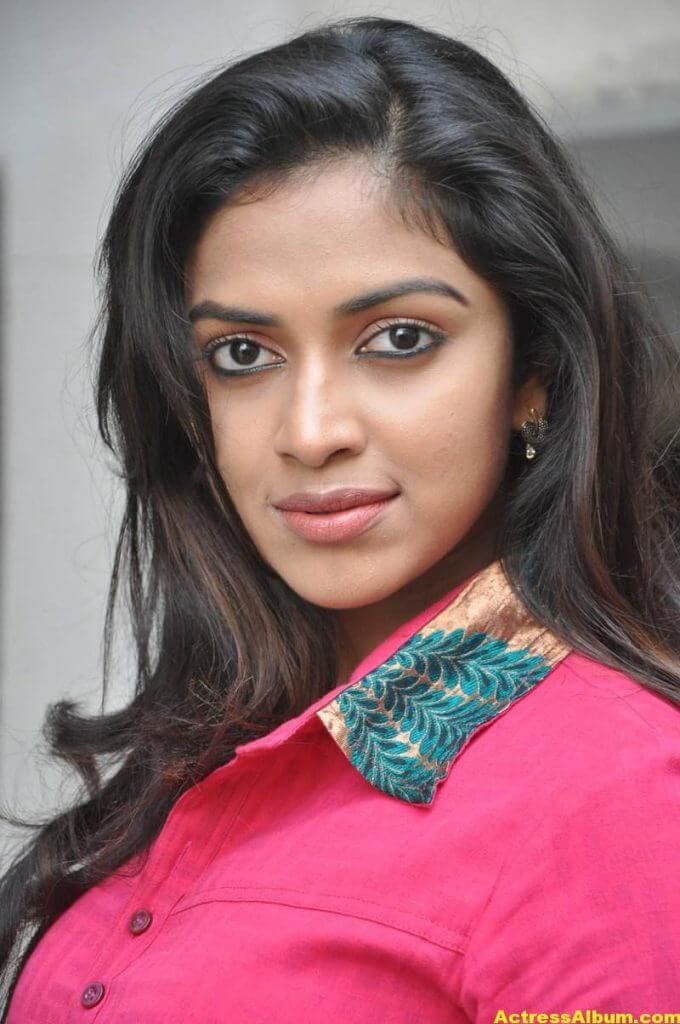 Actress Amala Paul Pink Top Closeup Gallery...1