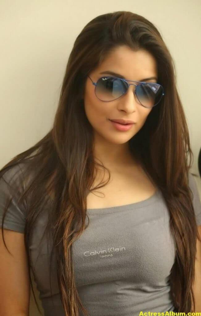 Actress Madhurima Latest Stills 3