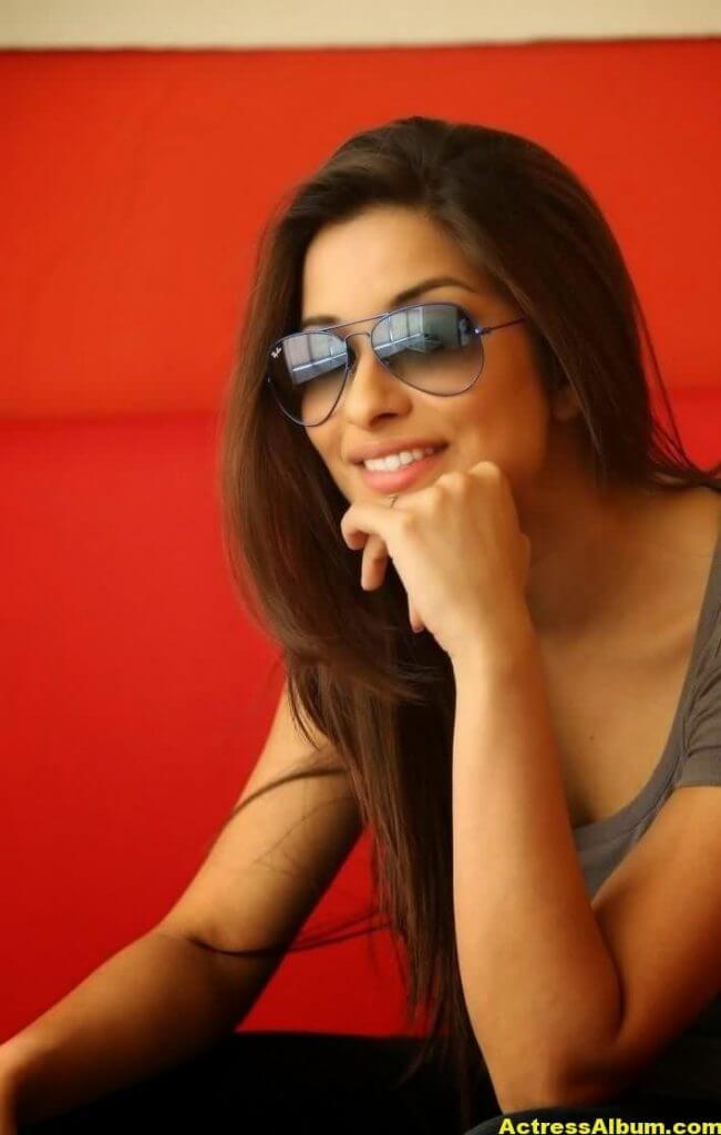 Actress Madhurima Latest Stills 4